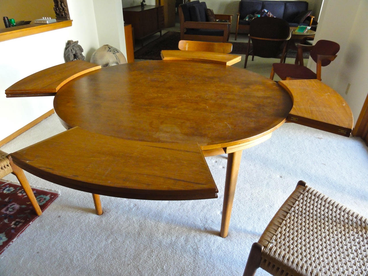 Fold Out Circular Table